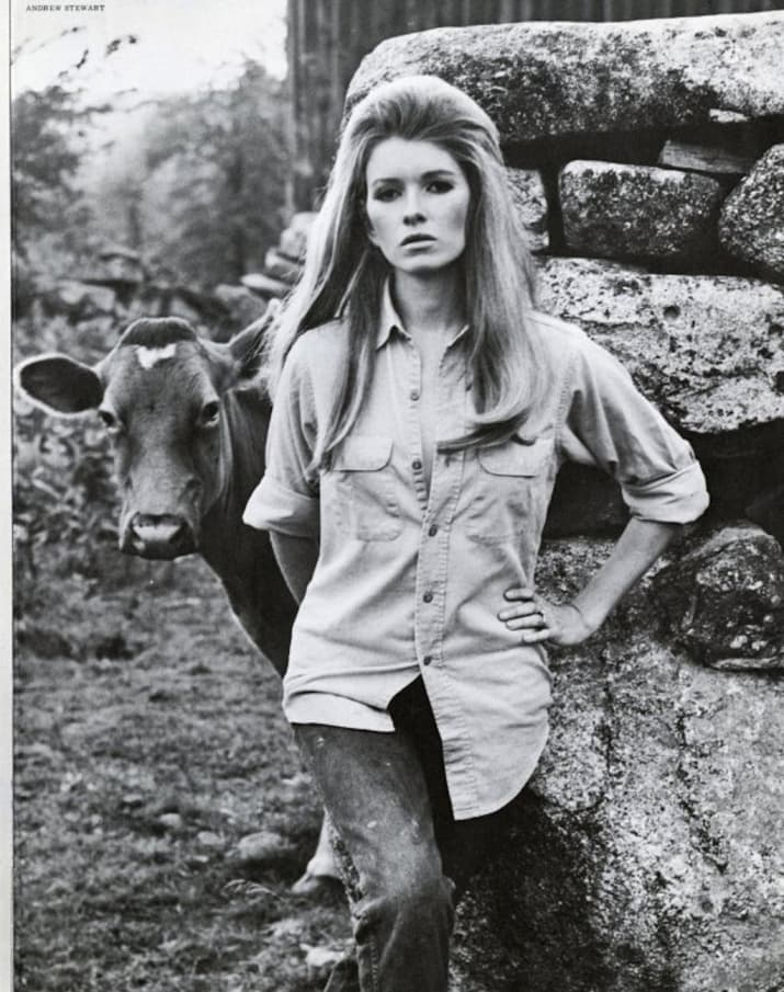12 Mind-Blowingly Gorgeous Vintage Photos From Martha Stewart's Modeling Career https://www.buzzfeed.com/briangalindo/12-mind-blowingly-gorgeous-vintage-photos-from-martha-stewar?utm_term=.rdaZj2nVw&sub=0_1117391#1117391
