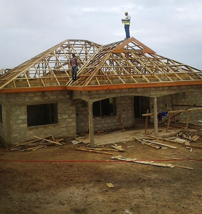 CONSTRUCTION ON THE NEW ACACIA SHADE HOME