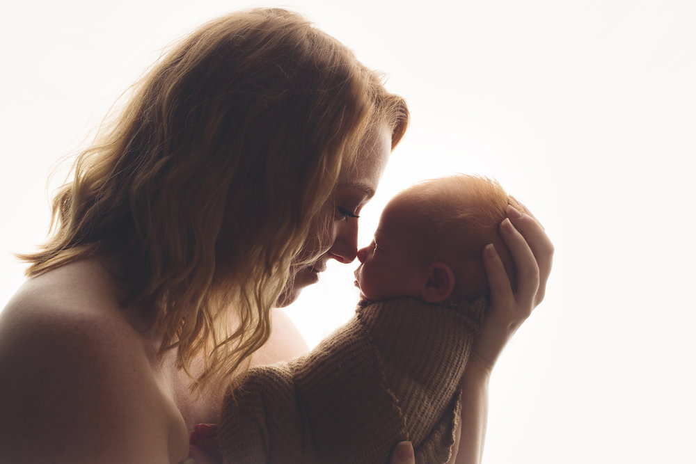 maryland_newborn_photographer_harford_county_mommy.jpg