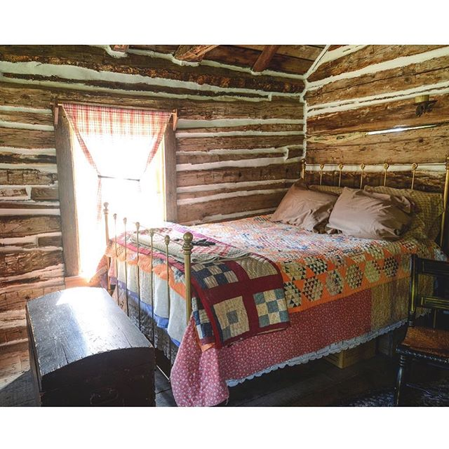 When was the last time you slept in a log cabin built in the late 1800s? No 🚿 , no ⚡️ and definitely no 📱. Issue one coming soon. #onfleece #theatlantaschool #unplug #artistretreat #restoration
