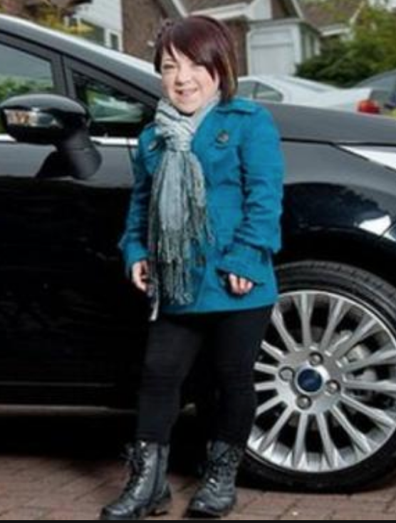 Life as a teenager growing up with dwarfism - 17 year old Jasmine Burkitt & her story