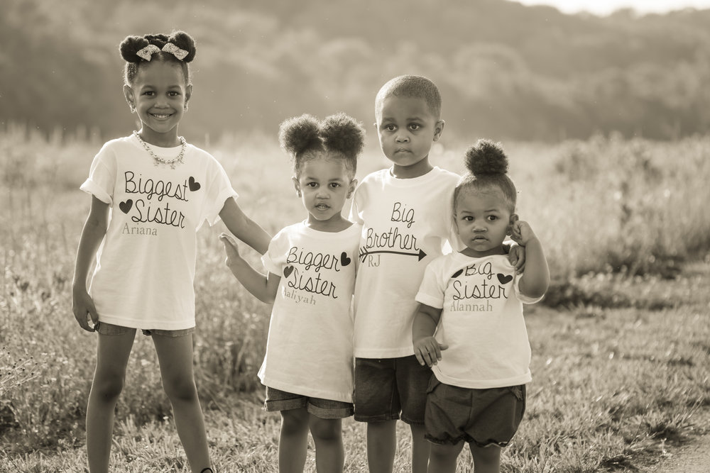 children family field photo louisville kentucky photographer