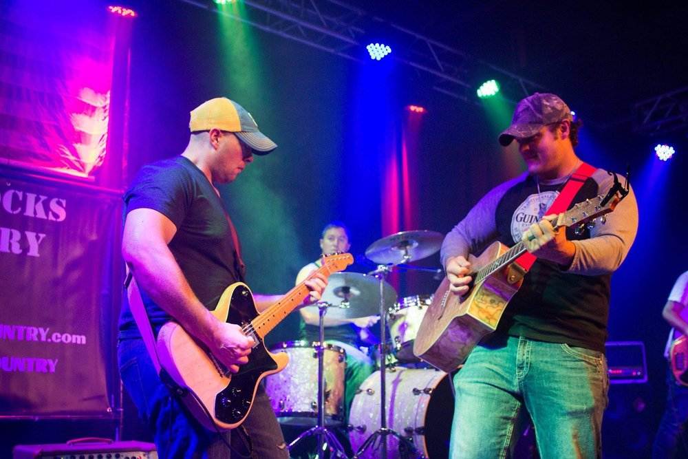 Hard Knocks 'n Country (5:15-6:15 Main Stage) - High energy Pacific Northwest high energy country band playing top country hits. A Snohomish county favorite serving up sweet tunes!