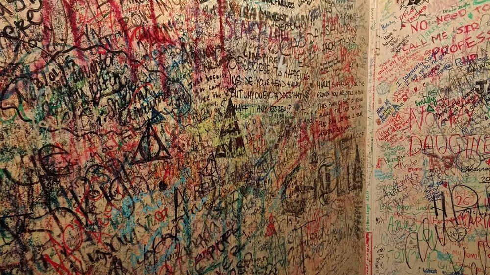 The Elelphant House, Harry Potter fan graffiti in the washroom