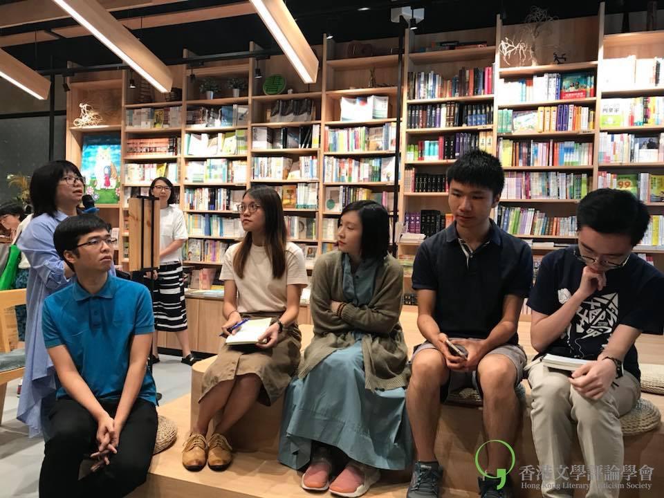 主持吳美筠提問網絡生態是不是令文學消失的主因?