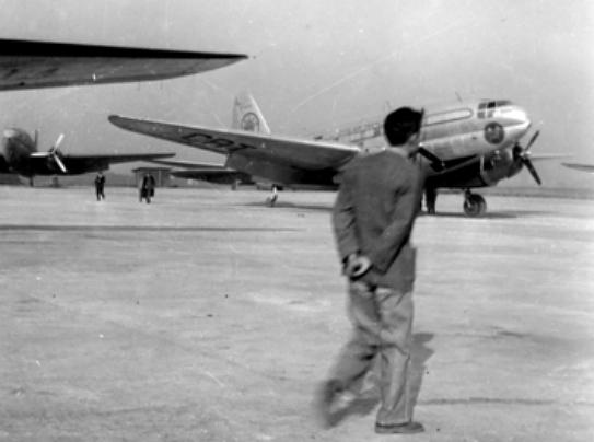 1950年代的台灣松山機場 (圖片來源:網絡)