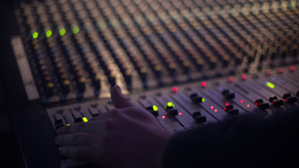 audio-1839162.jpg