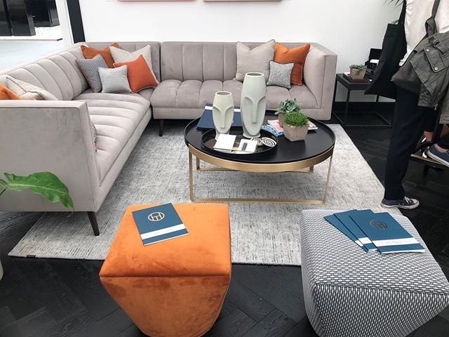 Loving this colour combo and setup 👌🏼 • • • #decorex #show #interiorshow #design #designer #interiordesign #interior #setup #colour #colourpop #orange #blue #texture #pattern #lounge #sittingroom #stunning #elegant #showhome #hampstead #london #primrosehill #stjohnswood