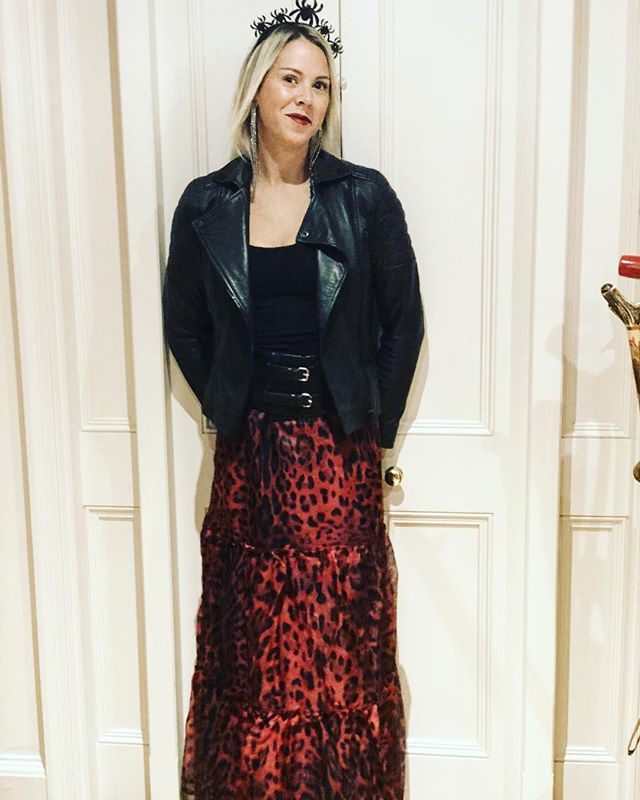 This @ridleylondon skirt is going to have so many occasions out, first one being for a Halloween party tonight. Happy Saturday one and all xx . . . #halloweencostume #halloween #spooky #animalprint #leopardprint #wiwt #wiw #saturday #fun #friends #fashion #winterfashion #winter #boo #gift