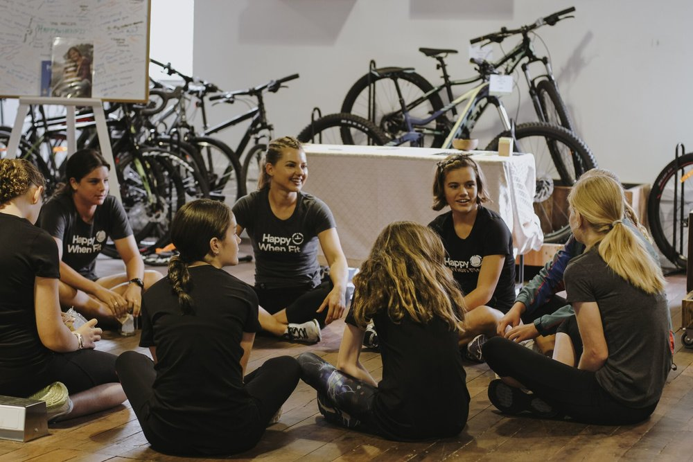 GROUP CHATS WITH THE BEAUTIFUL GROUP OF GIRLS AT THE HAPPYWHENFIT 'INSIDE OUT' WORKSHOP