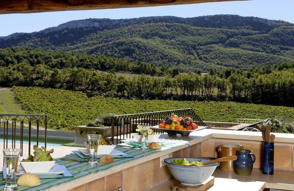 La Verriere outdoor kitchen