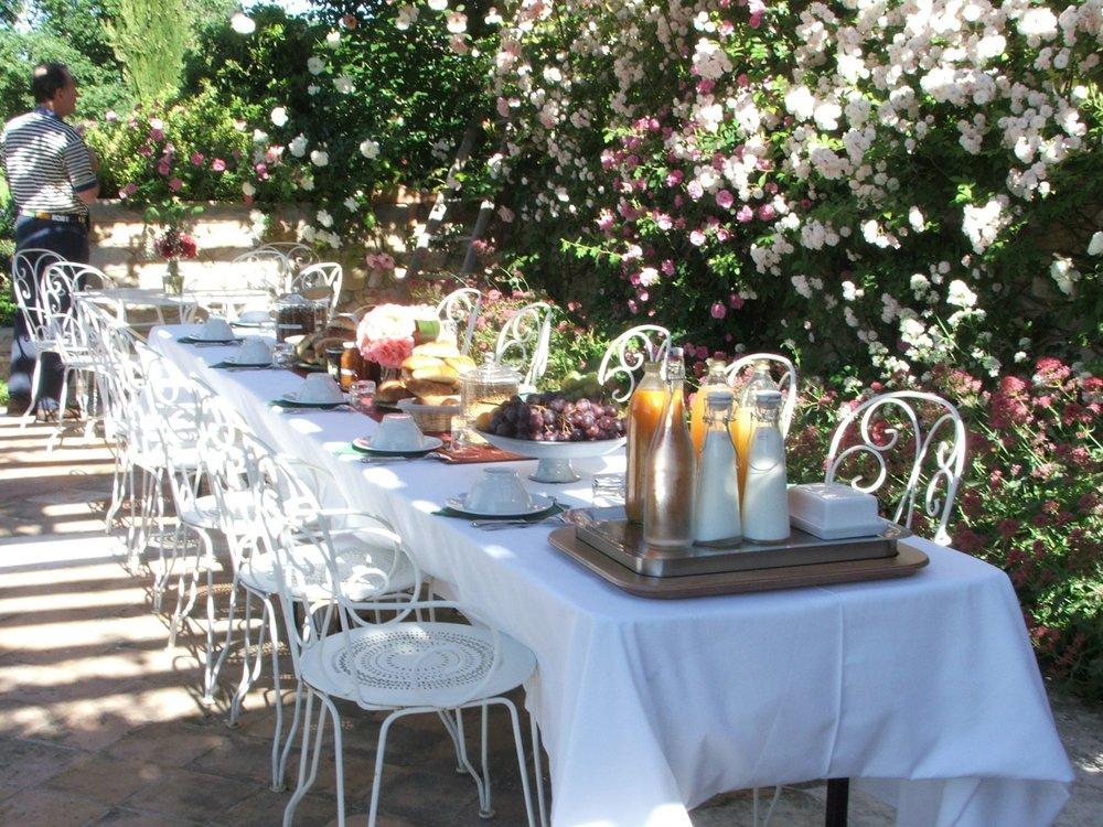 NSR 5 06- Breakfast on rose patio 1.jpg