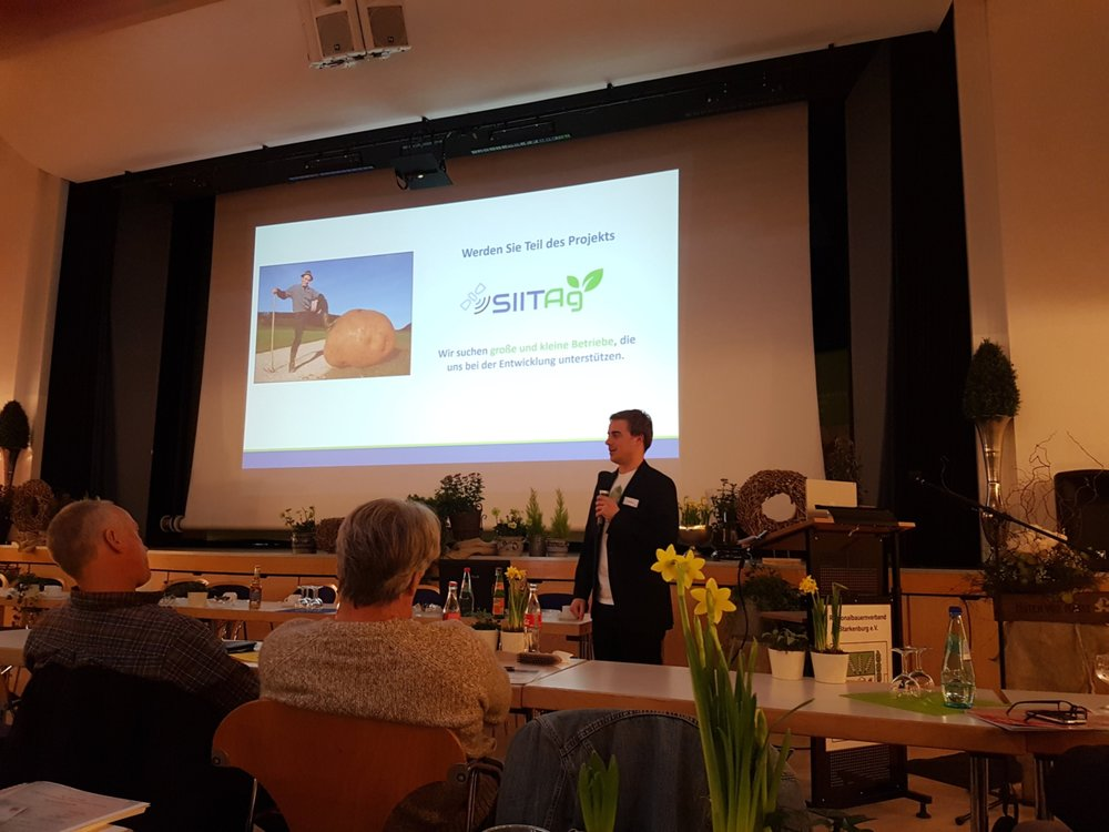 Lionel Born (CSO, Spacenus GmbH) during the presentation of the recent project SIITAg (Photo source: Spacenus GmbH)