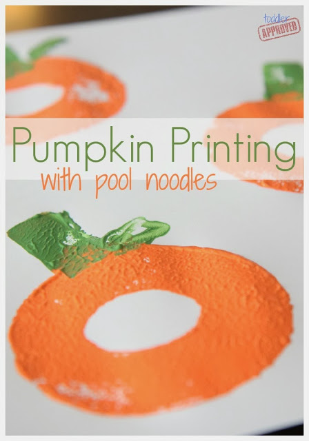 Easy toddler craft!  Toddler Approved  has put together a great set of directions on using pool noodles to create these cute pumpkin prints.