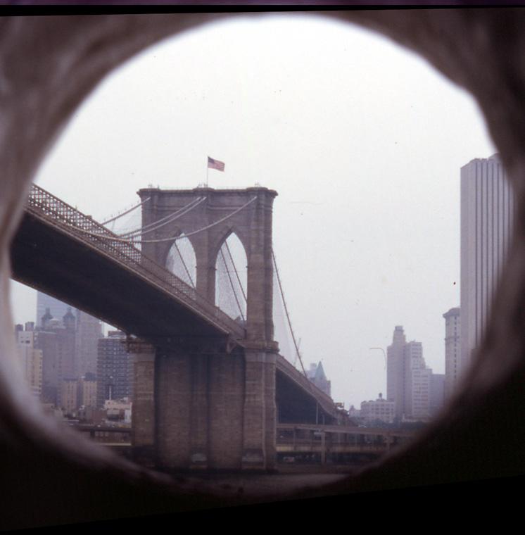 Framed view of Brooklyn Bridge.
