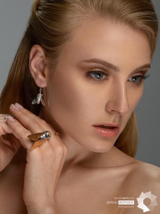 Photographer:  Sergei Bergen  Style:  Natalie Yesina  MUA:  Vladyslava Kudryavtseva  Jewelry:  Invidiosa Jewelry (for LOFT.bijoux)  Model:  Hanna Bespoiasko  Agency:  Massimo Management