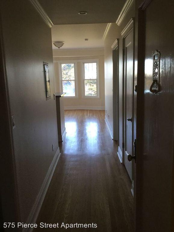 575 Pierce - hallway.jpg