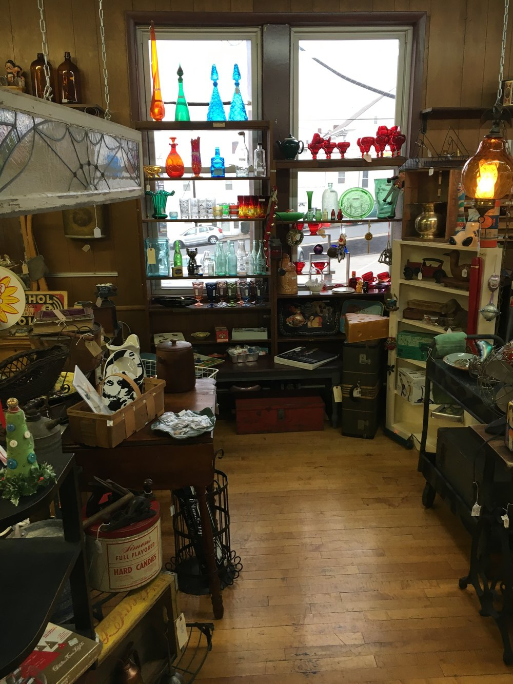 Back Porch Antiques and Collections - Mid century 50's, retro, steampunk