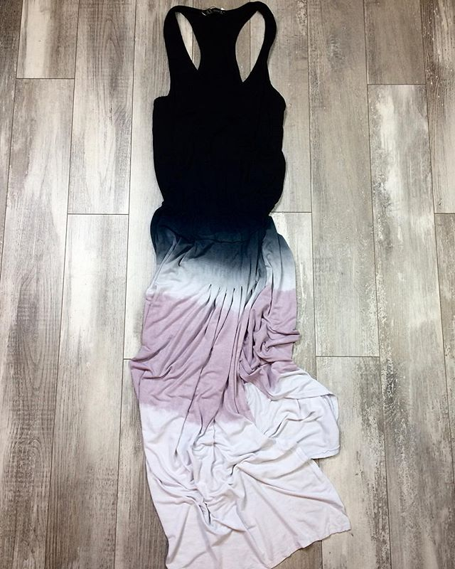💕 this awesome asymmetrical dress is on sale this weekend 💕 we see warmer weather in our future and this dress is perfect🔮 • • • • • #camaswashington #camassidewalksale #boutiquestyles #camasbeautybar #camasbeauty #springhassprung #shopcamas #shoplocal #shopsmall #flatlaystyle #pdxlove #pdxstyle #pnwlove #pnwstyle