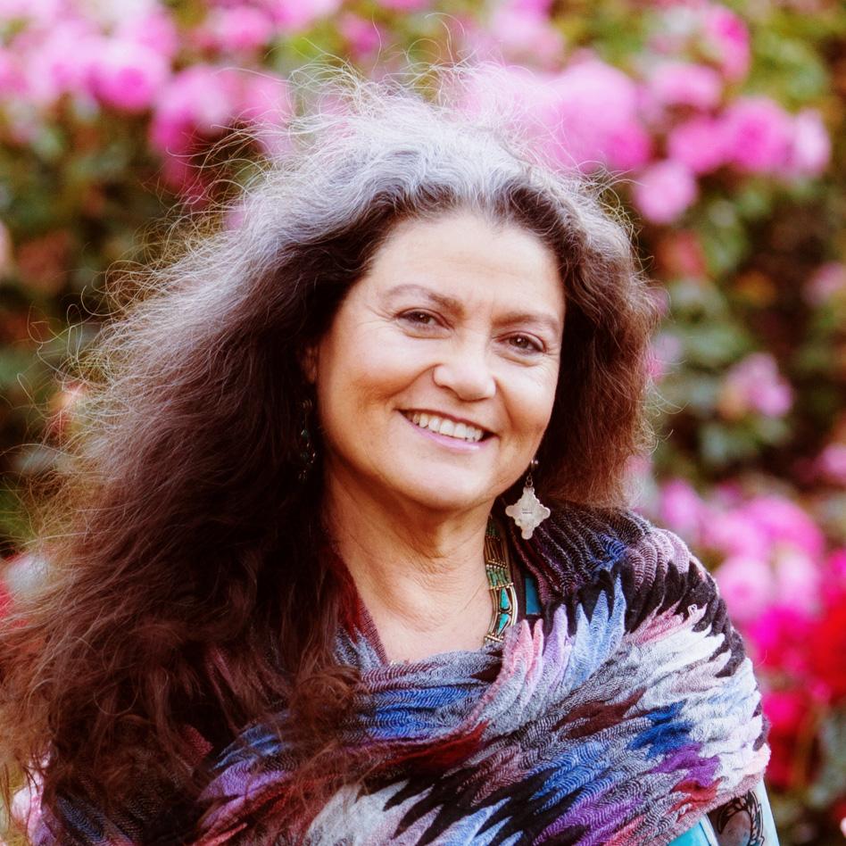 katrina-wynne-roses-portrait.jpg