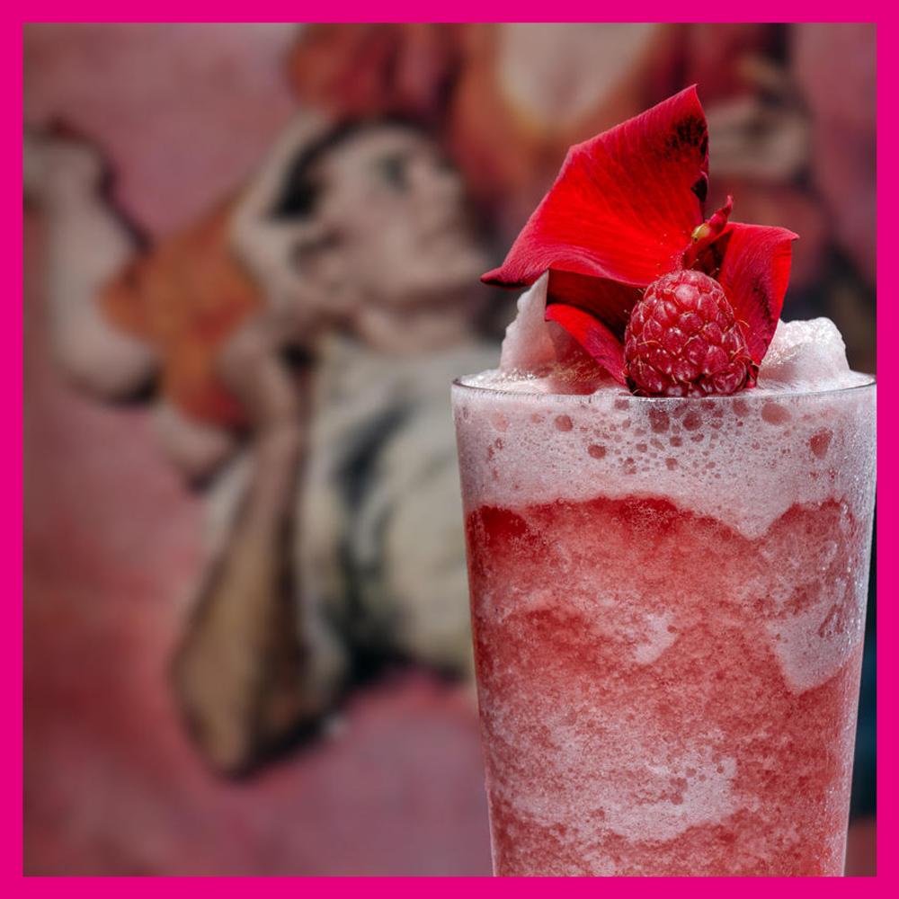 HOXTON PINK FROSE - 4 British strawberries.15ml Lemon juice.10ml Sugar Syrup.50ml Hoxton Pink Gin.75ml rose wine.Scoop of crushed ice.