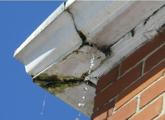 cracked-gutters-2.jpg