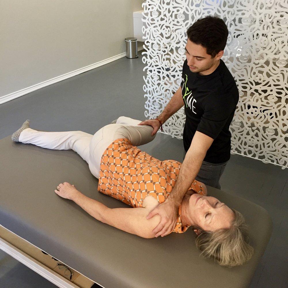 FLXME Stretch Studio spinal stwist.jpeg