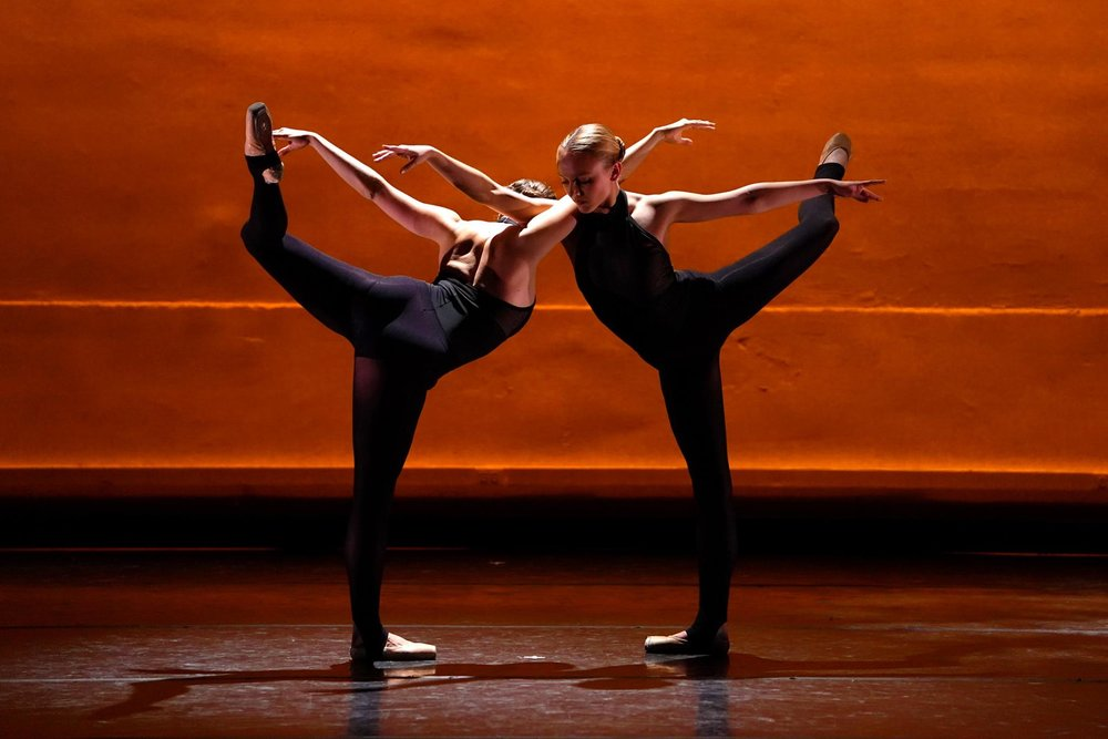 """Antlitz"" choreographed by Miro Magloire"