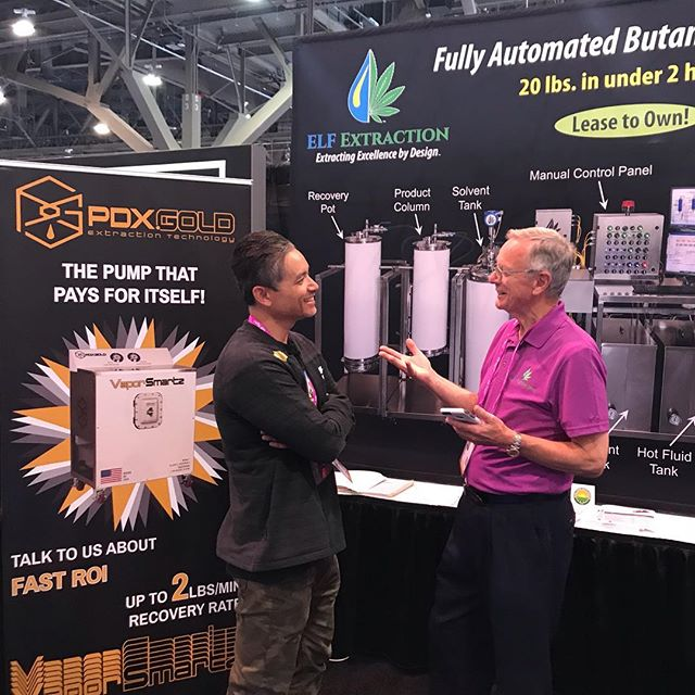 We've got James from PDX Gold in our booth talking Vapor Smartz and pumps!  Come See us at Booth #2079  #pdxgold #elfextraction #pumps mjbizcon