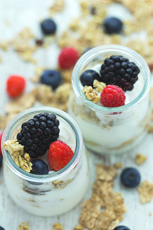 flakes-yogurt-frambuesas-moras-berries-raspberry-granola-productos-lacteos-fotografia-product-photographer-Sr-Erreka.jpg