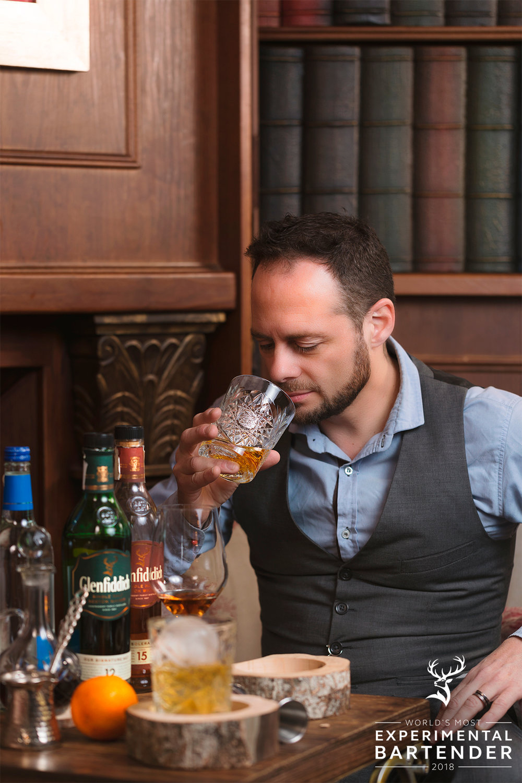 que-thomas-vermuteria-burgos-ruben-hermoso-glenfiddich-worlds-most-experimental-bartender-sr-erreka-films-photo.jpg