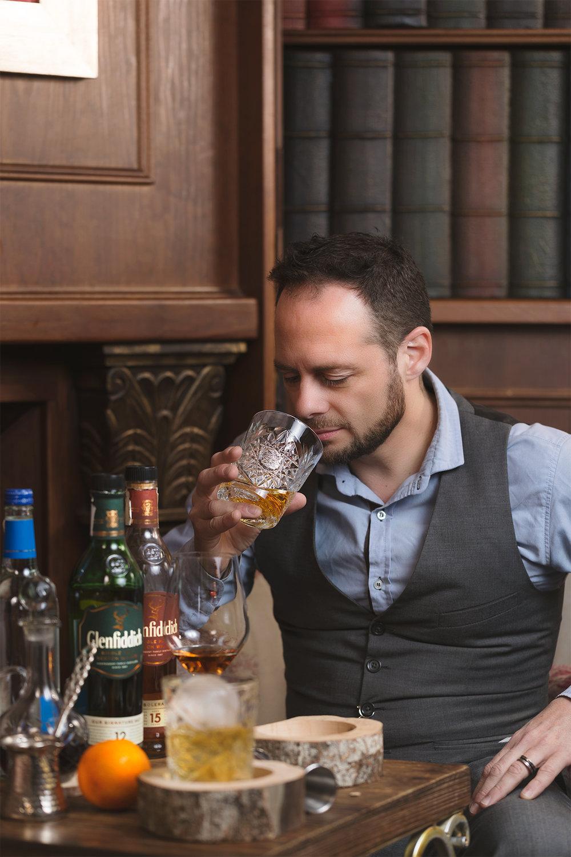 Que Thomas Ruben Hermoso bartender bartending cocktails Burgos WMEB Glenfiddich whisky single malt branded content commercial photo fotografia publicidad producto social media Sr Erreka films.jpg