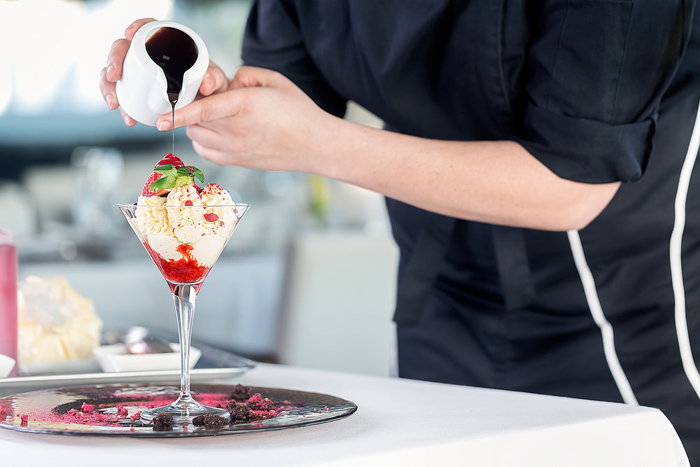 vincci-aleysa-hotel-gastronomy-chocolate-strawberries-cream-dessert-postres-fresas-crema-chef-fotografia-publicidad-branded-content-social-media-photographer-sr-erreka-films-photo.jpg
