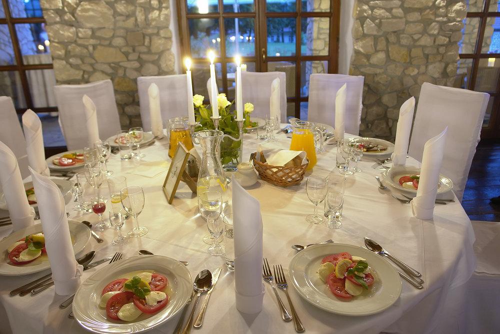 food_table_web.jpg