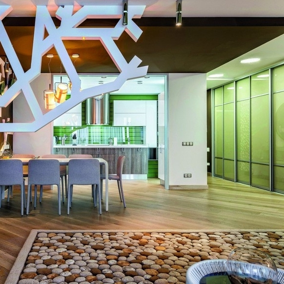 2-contemporary-style-open-concept-living-dining-room-lounge-kitchen-interior-design-plasterboard-sheetrock-3D-wall-decor-green-ceiling-brown-white-set-wool-handmade-carpet-pebbles-TV-set-table-chairs.jpg