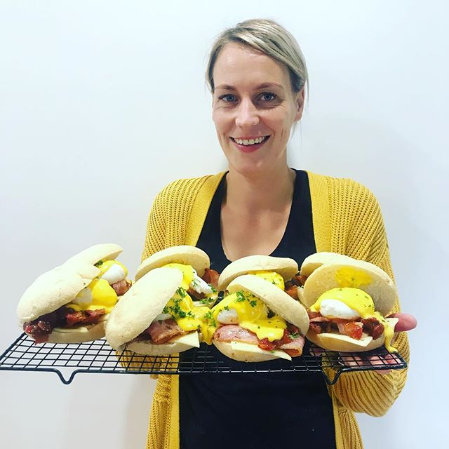 She may have been up since 3.30am this morning but she's still smiling!! Carlie from @rye_foodandespresso has whipped up the ultimate breakfast bap this morning, free range bacon, @willow_creek_farm poached egg @barkersofgeraldine relish and homemade hollandaise 😍🤤🤤 • • • • • #jaksisland #ryefoodblog #breakfast #baconandeggs #freerange #localingredients #chef #cheflife #earlystarts #loveourjob #catering