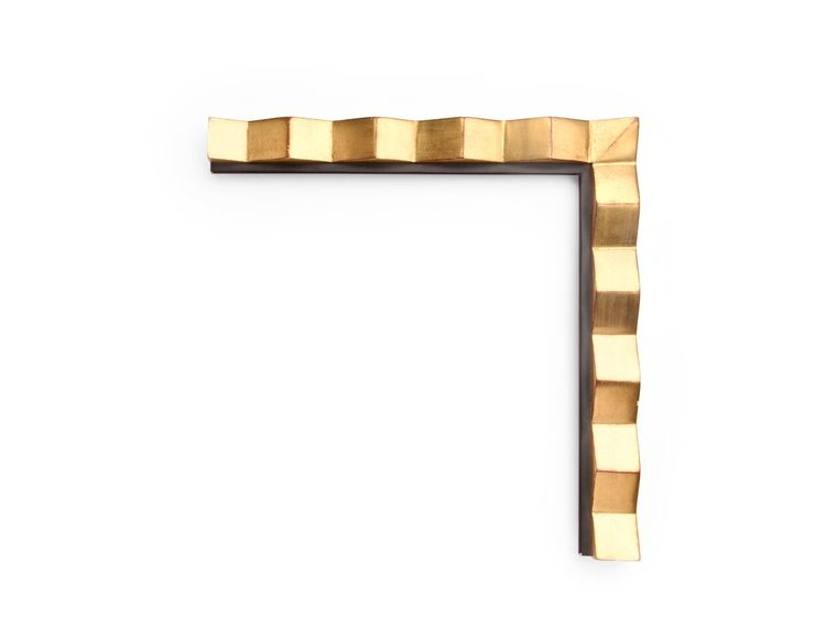 Sharp Diagonal Gold A contemporary 1-1/2 inch frame, with sharp diagonally carved blocks, merging at the corners, and a narrow inner black painted lip. The finish shown is yellow gold with a red clay. QB CTFU-1H-392-77 (YR40)