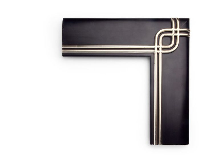 Gilded Outer Crisscross A modernist 5 inch frame, this rounded outer clamshell profile has twin crisscrossing gilded rails at the corners and run along the inner edge of the panel. The finish shown is a painted black panel over white gold with a satin finish. QB AD-5-328-80 (WK25N1)