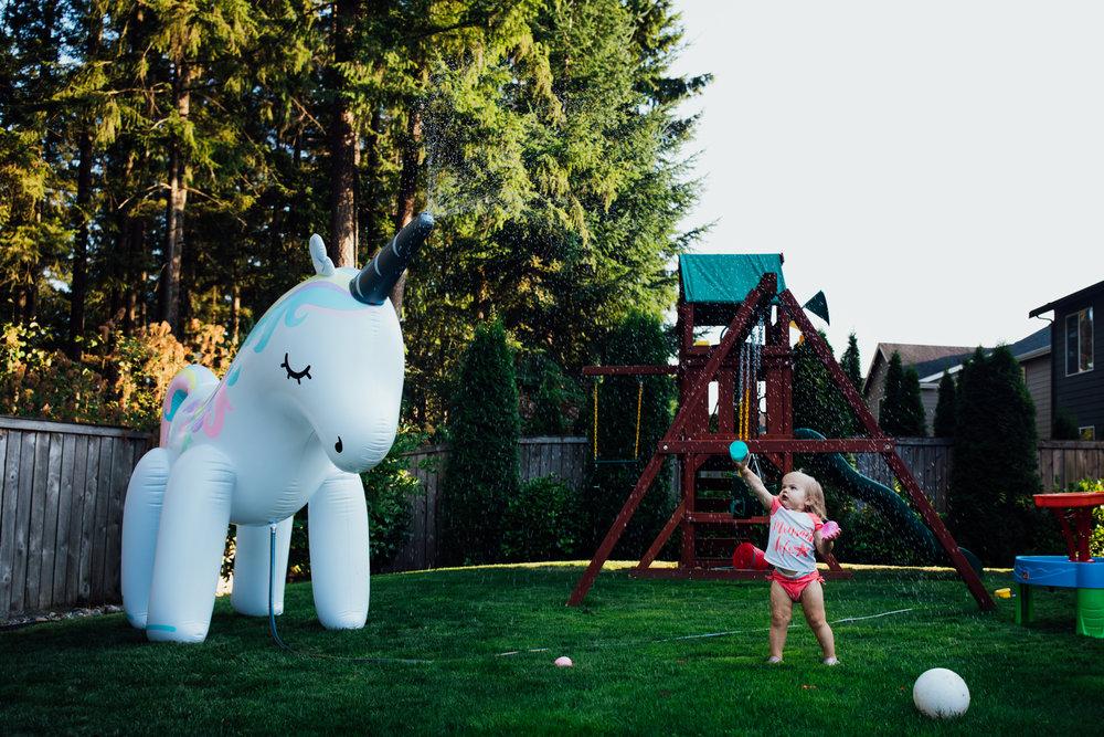 summer sprinkler mini session by seattle family photographer anna nodolf-10.jpg