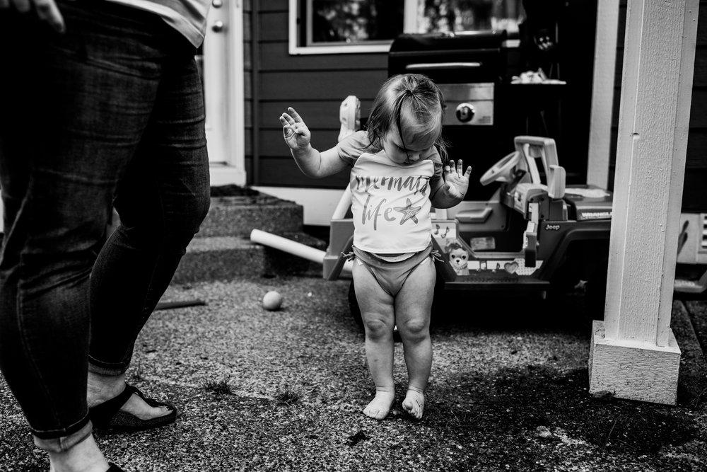 summer sprinkler mini session by seattle family photographer anna nodolf-20.jpg
