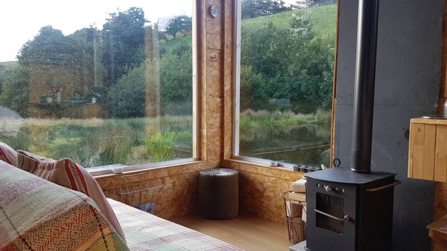 Caban-cilfa-woodburner