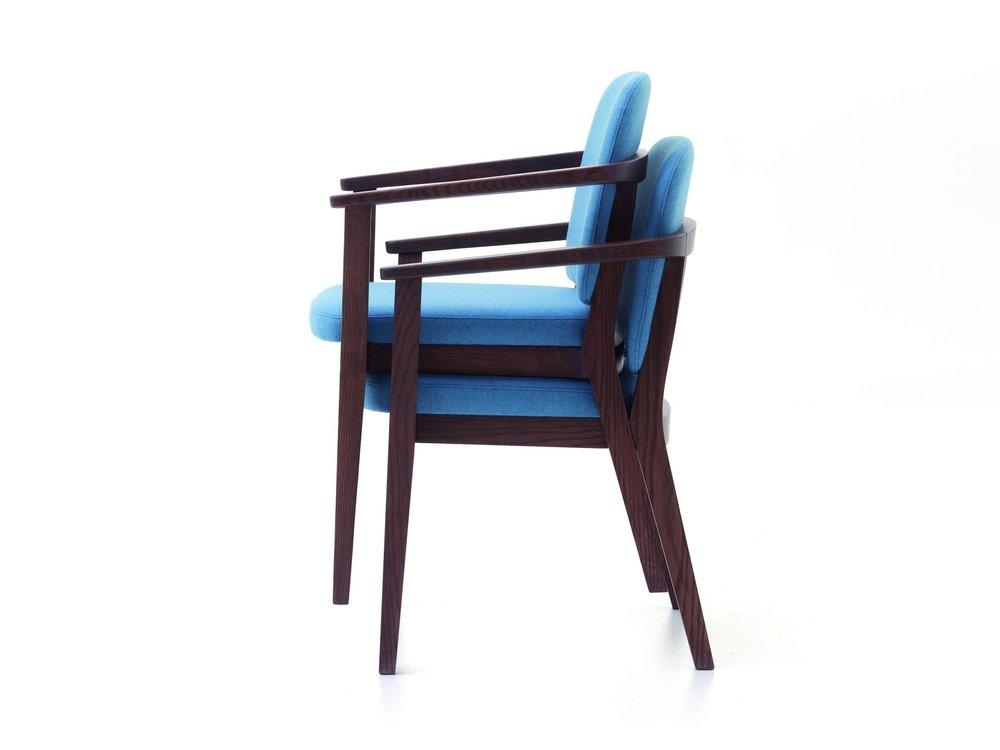 VER_Chelsea_armchair_stacked_19.jpg