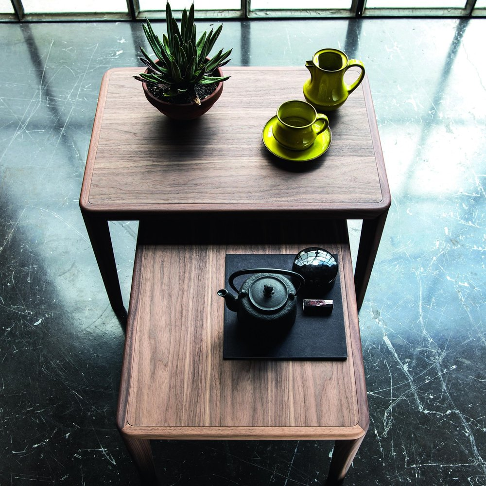 VER_Bellevue_T03_L_T04_L_sidetable_top.jpg