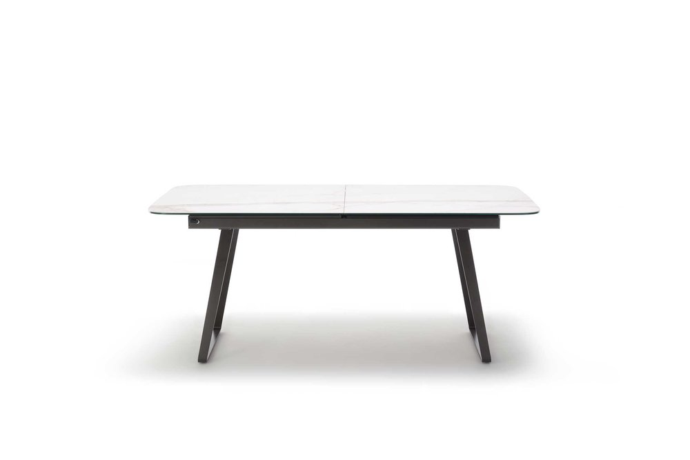 Rolf_Benz_939_Diningtable_001_web.jpg