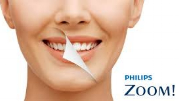 "Phillips Zoom Home Whitening - When it comes to whitening there is no ""one size fits all."" Now, it's easier than ever to find the perfect fit for everyone. Applying the samesuperior formulas of Philips Zoom! DayWhite and NiteWhite and, this has been redesigned around specific patient needs. You could get the whiter smile you want, with a safe and effective formula which you'll be proud to recommend.• Unique ACP formula for the best sensitivity and enamel protection• Dual barrel technology - no need for refrigeration• A choice of whitening options for every patient"