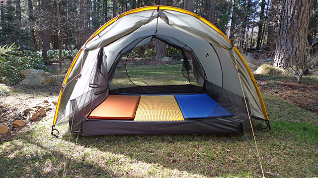 THE CLOUDBURST 3 FROM TARPTENT IS EXTREMELY SPACIOUS AND STILL WEIGHS IN AT 52 OUNCES, THAT'S LESS THAN 1.5 KG!