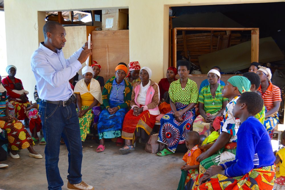 A GHI Field Educator delivers a health training session