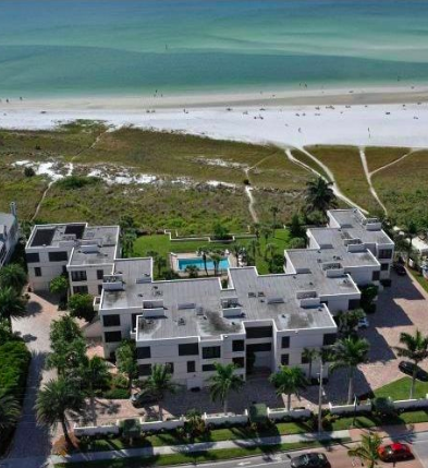The staggered design means that every residence has a full & unobstructed Gulf of Mexico view.