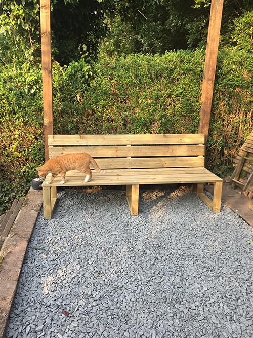 GardenBenchKaito.jpg