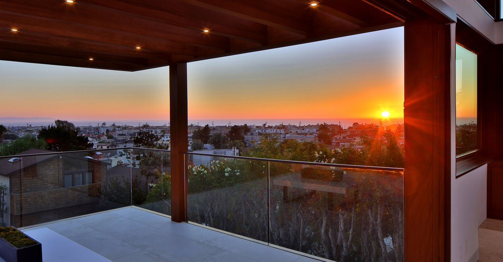 3-Manhattan-Beach-views-balcony-modern-architecture-SiliconBay.jpg